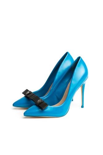 Strappy in Black - Shoe Clips